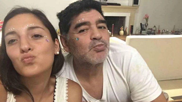 La hija del 10, Jana Maradona posó como modelo de lencería