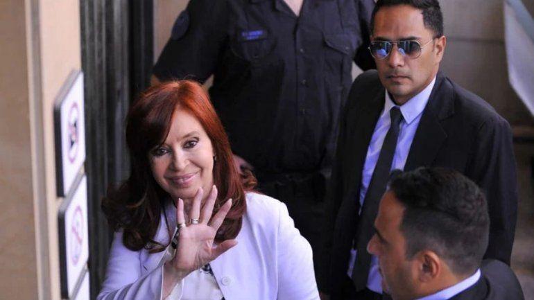 Cristina declaró durante tres horas, cuestionó a los jueces y se fue sin responder preguntas