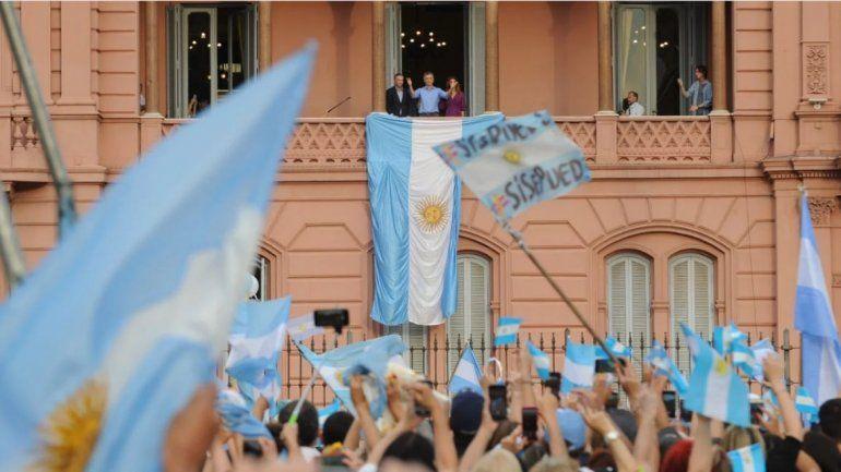Macri se despidió ante una multitud: Vamos a defender nuestras libertades