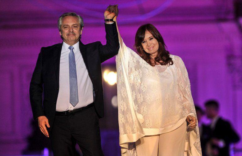 Hoy Alberto viaja a Israel y Cristina asume la presidencia