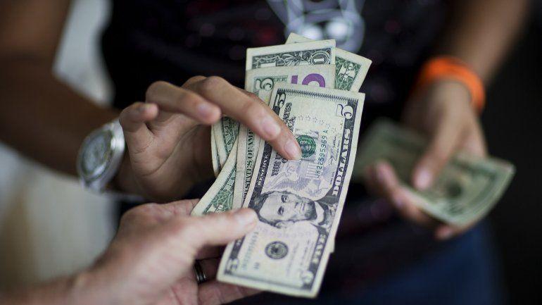 Argentina: qué compras en dólares no tendrán retención