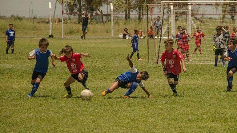 El gris en el fútbol: es talentosa pero no la dejan jugar por ser mujer