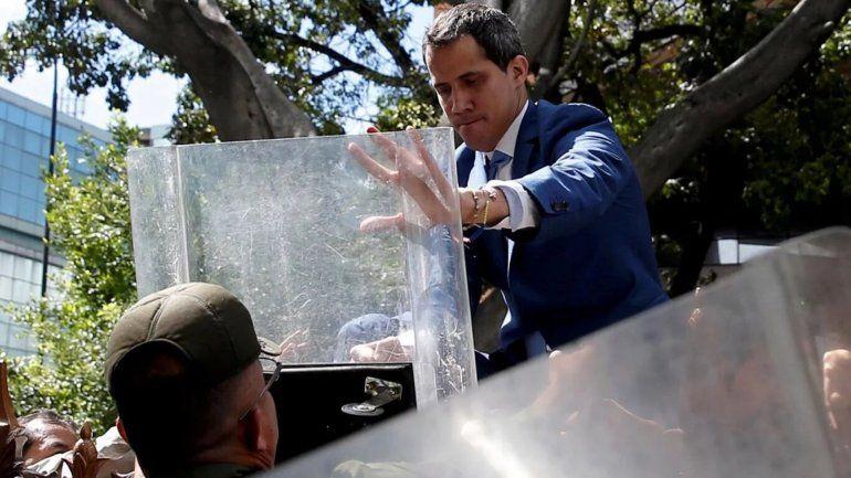Sesiones y contra sesiones: Guaidó fue reelecto presidente