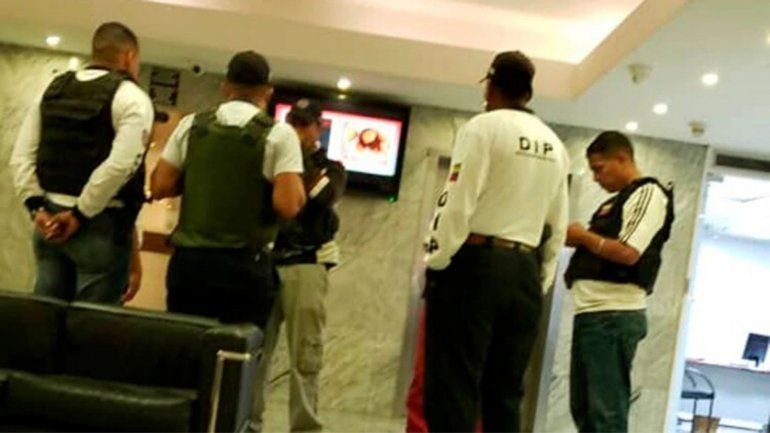 Las fuerzas que responden a Maduro tomaron las instalaciones de un hotel