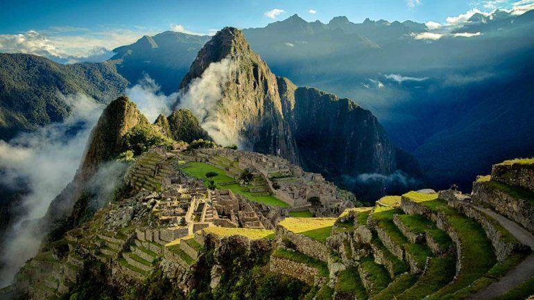 Turistas argentinos detenidos por provocar daños en el Machu Picchu