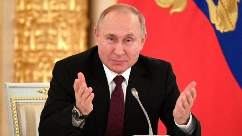 Rusia: Vladimir Putin pidió una reforma política y renunciaron todos sus ministros