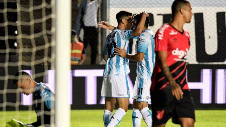 Rácing le ganó por penales a Paranaense en el debut de Beccacece