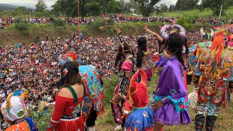 ¡Llegando está el carnaval! Los diablos de Uquía coparon Ciudad Cultural