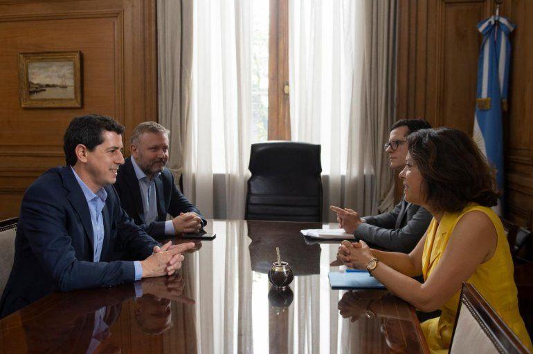 Wado de Pedro se reunió con la embajadora de Francia en Argentina