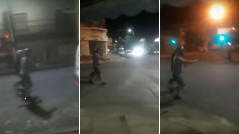Tucumán: escaparon de un control de alcoholemia manejando un auto imaginario