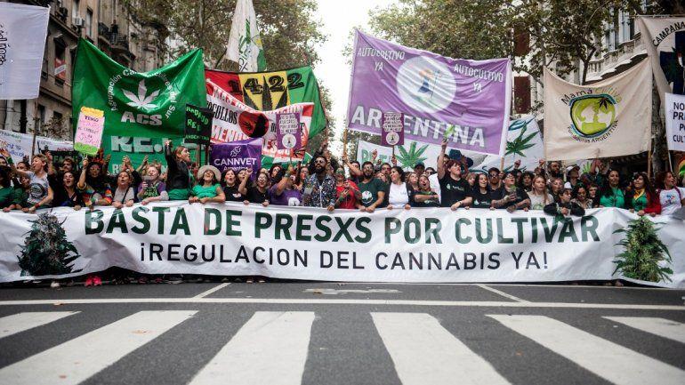 Este año podría aprobarse la despenalización de la marihuana en Argentina