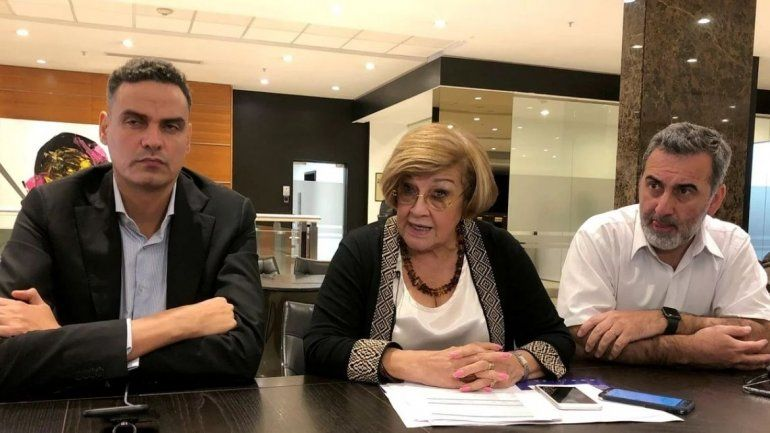 El equipo de la Comision Interamericana de Derechos Humanos varado en Panamá.