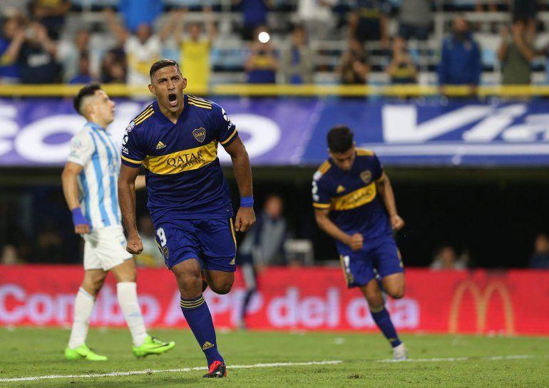 Boca ganó 2 a 0 y le mete presión a River