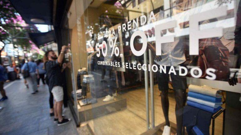 Promociones, liquidaciones y cuotas ayudaron a salvar las ventas de la temporada de verano