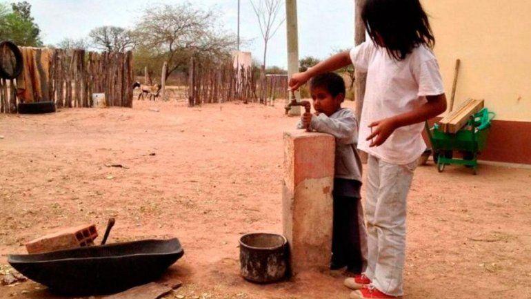 Tinelli aseguró que construirá 10 pozos de agua en el norte salteño