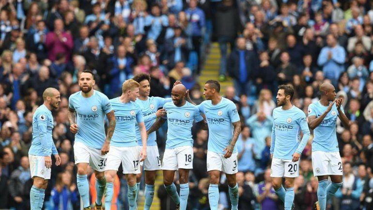 El Manchester City no podrá jugar la Champions League y deberá pagar una multa millonaria