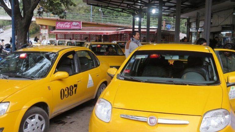 Choferes y propietarios de taxis amarillos pedirán que se agilice el sistema de seguridad satelital