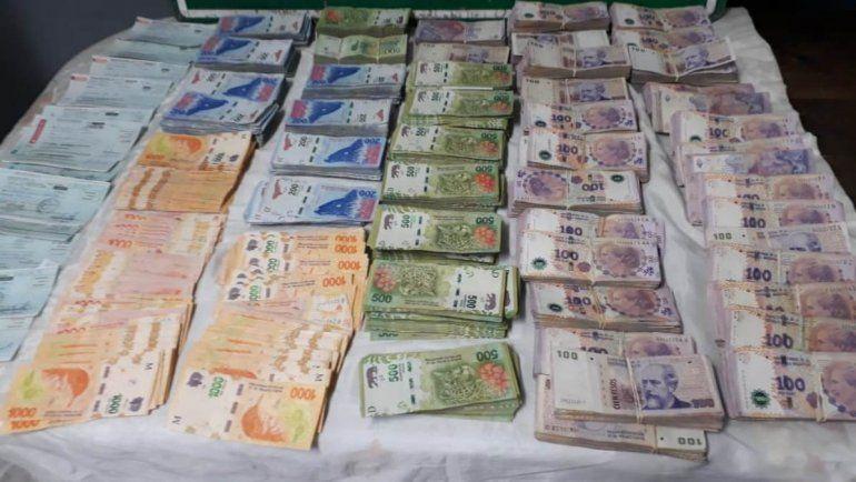 Detienen a dos personas que viajaban desde Jujuy con más de $3 millones