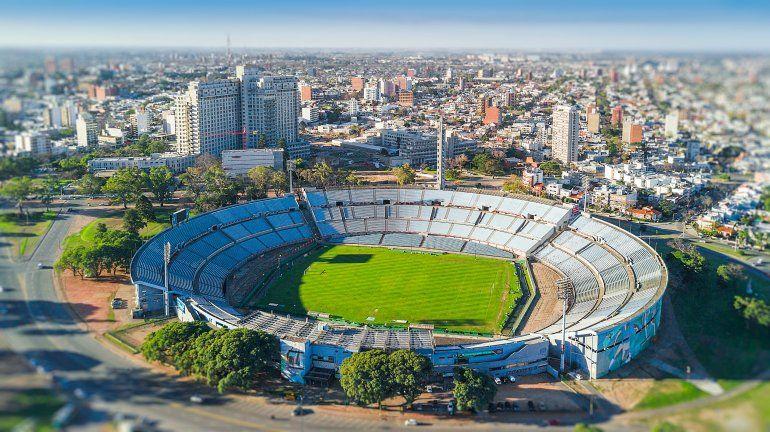 El estadio Centenario se convirtió en un albergue para personas con coronavirus