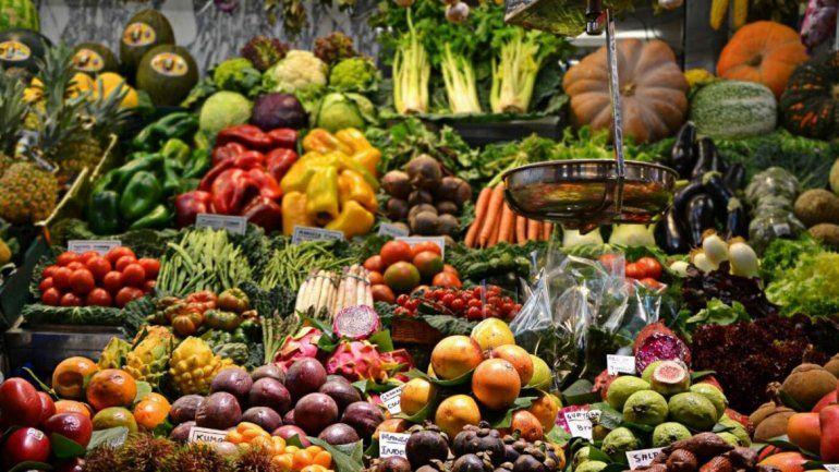 Coronavirus: taxistas repartirán frutas y verduras a casas