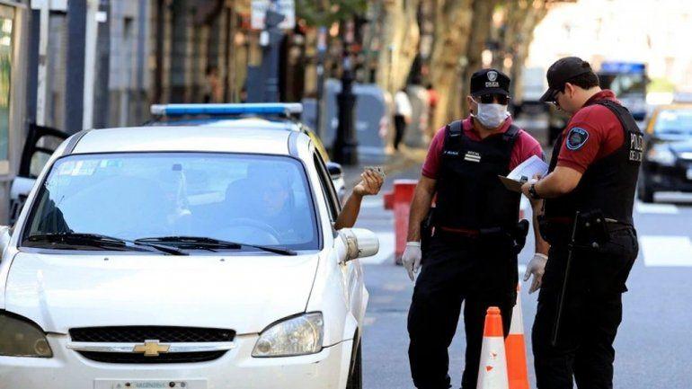 Un policía de la Ciudad tiene COVID-19 | COVID-19, Policía, efectivo