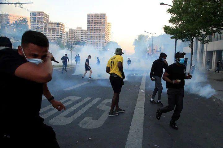 París: incidentes en una marcha por Adama Traoré, un joven negro que murió en manos de la Policía