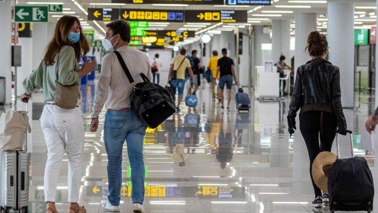 Coronavirus: España habilitó aeropuertos y lugares turísticos ...