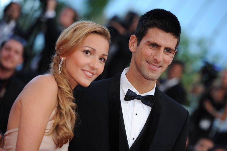 Novak Djokovic dio negativo y se mantiene la polémica