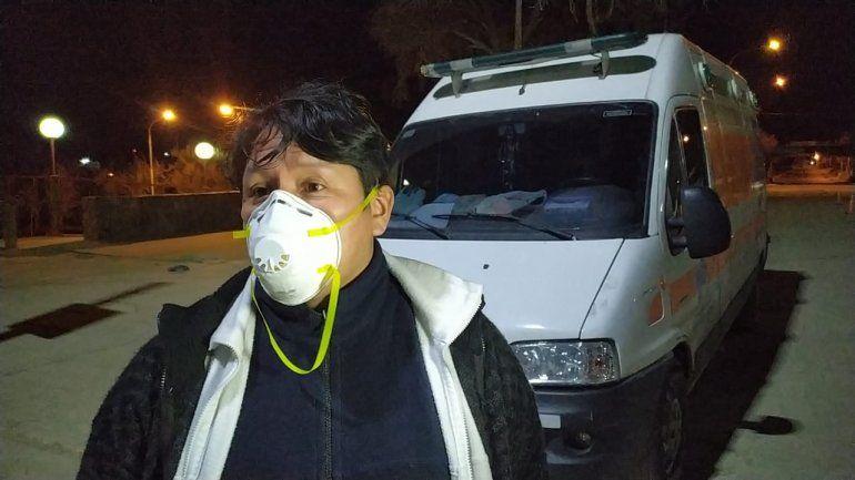 El médico pudo cruzar a Bolivia para ayudar a su familia