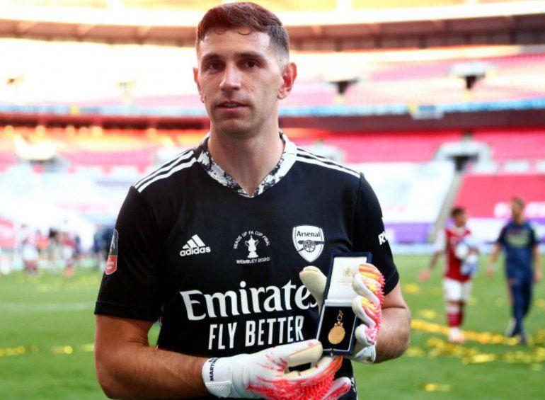 Club Arsenal: Emiliano Martínez se consagró campeón