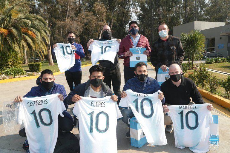 AFA: donaron plasma y recibieron la camiseta de la Selección