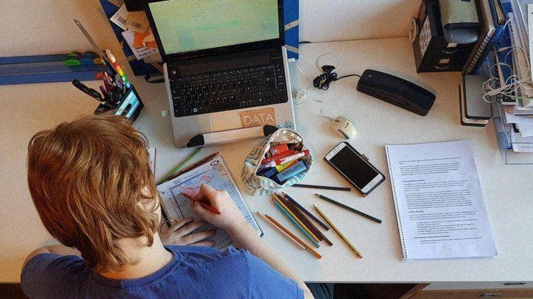 Educación en cuarentena: WhatsApp se consolida