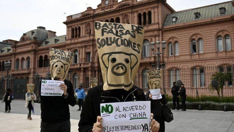Protestas en Buenos Aires en contra de las megagranjas porcinas.