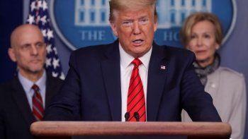 Trump en la conferencia en la Casa Blanca donde anunció que pondrá a disposición drogas que se utilizan para otras enfermedades y tienen efectos alentadores en pacientes con coronavirus.
