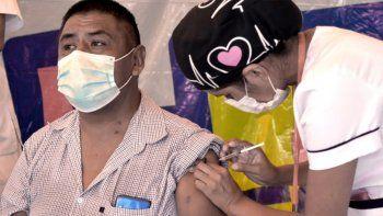 Bolivia podría llegar a la inmunidad de rebaño en Septiembre.