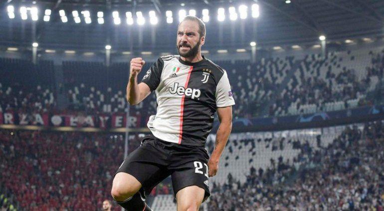 Juventus superó al Leverkusen de la mano de Higuaín