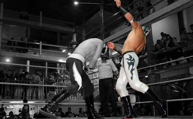 México: un peleador de lucha libre murió en pleno ring