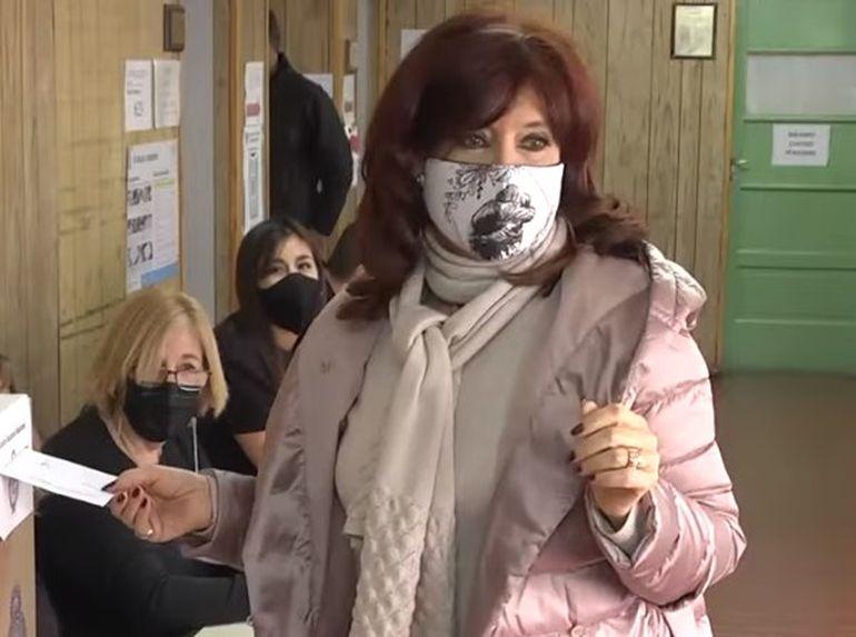 La ex presidenta votó en Santa Cruz.