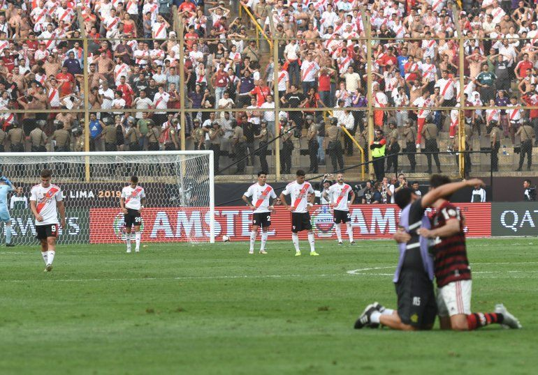 Se le escapó sobre el final: River cayó ante Flamengo y se quedo sin la quinta Copa