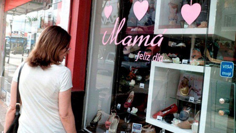 La gente saca de donde no tiene para comprarle a mamá: cómo fueron las ventas por el Día de la Madre