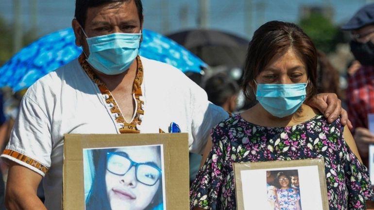 Los padres de Iara Rueda no bajan los brazos y siguen pidiendo justicia por el femicidio.