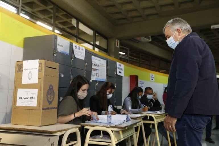 El gobernador Gerardo Morales votó en las Elecciones 2021.