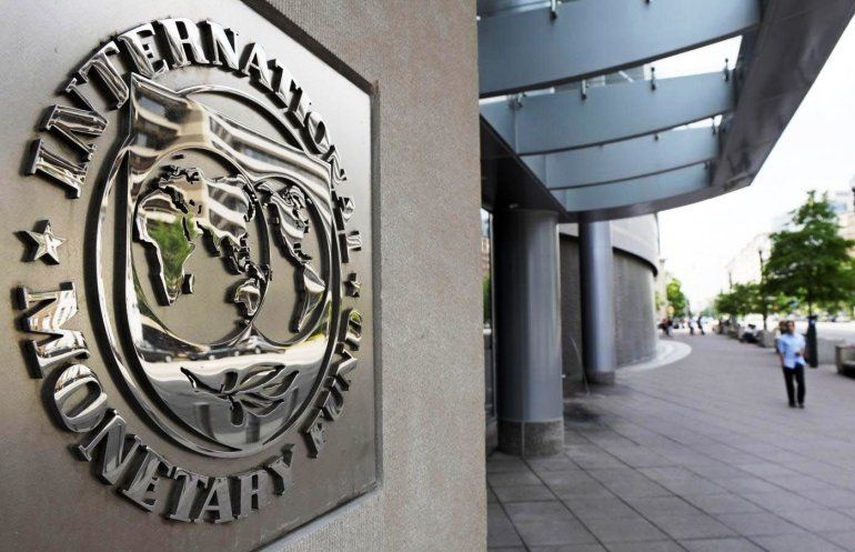 La misión del FMI se reunirá con la CGT y la UIA