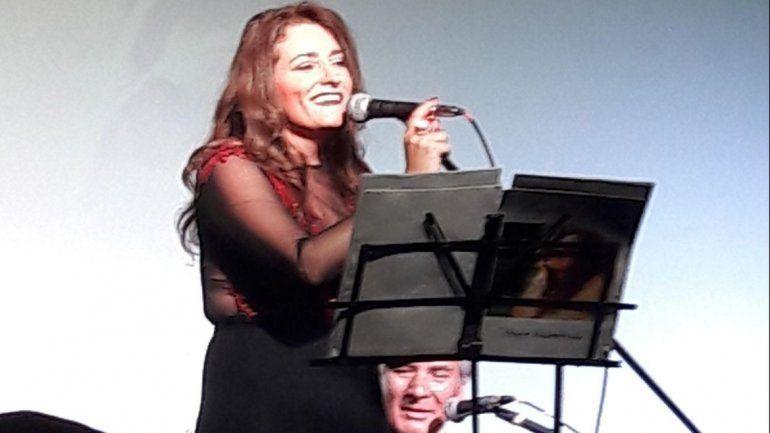 Brindarán un concierto de boleros por Facebook por el Día de la Madre