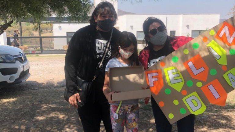 Seños Fernanda y Tatiana del colegio José Hernández