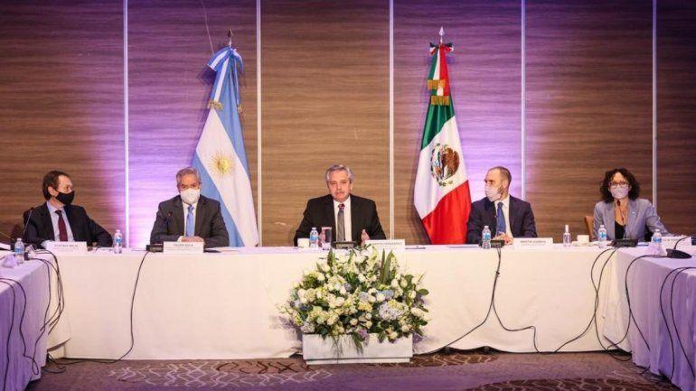 Alberto Fernández con empresario de México. /Foto: Presidencia