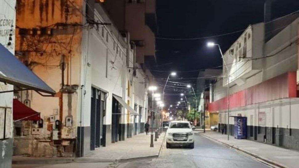 San Salvador de Jujuy: Se instalaron nuevas luminarias led sobre calle Algañaráz