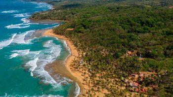 Panamá es el primer país de América Latina en habilitar el turismo de vacunas.