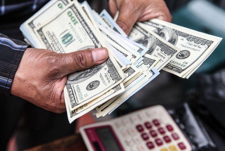 Economía aclaró que no analizan modificaciones en el Dólar Ahorro